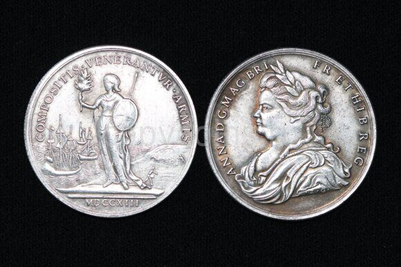 Британский токен 1713 год серебро